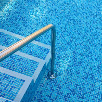 servizi-riempimento-piscine-piscina-con-scaletta-ecogroup